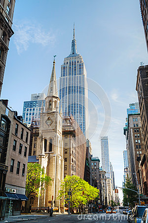 The Marble Collegiate Church and Empire State building in Manhat Editorial Stock Image