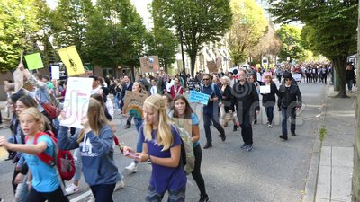 Marcha política ambiental Vancouver Canadá Septiembre 2019 almacen de video