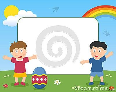 Marco del huevo de Pascua y de la foto de los niños