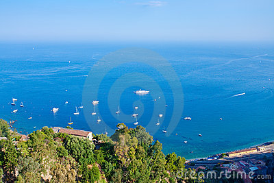 Mare ionico vicino alla Sicilia