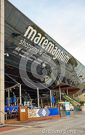 Maremagnum shopping Barcelona port