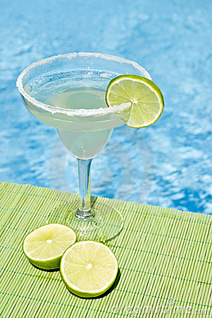 Free Margarita Cocktail By The Pool Stock Photo - 10666910