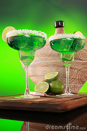 Free Margarita Cocktail On Green Stock Images - 9312434