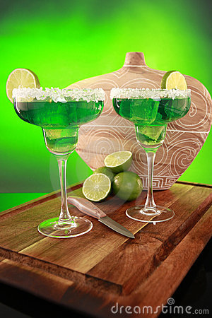 Free Margarita Cocktail On Green Royalty Free Stock Photography - 9312677