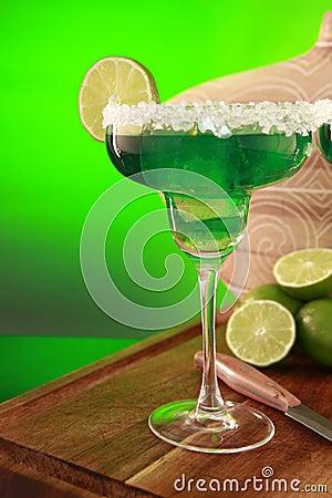 Free Margarita Cocktail On Green Royalty Free Stock Image - 9312736