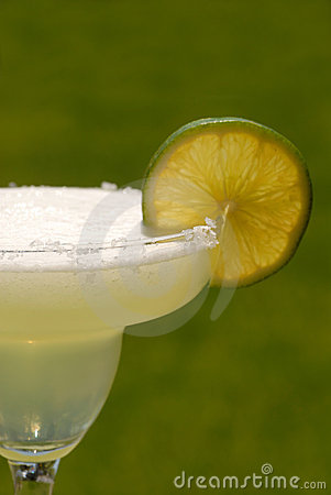 Margarita with a slice of lime