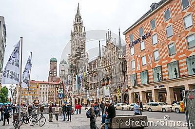 Marienplatz i Munich Redaktionell Bild