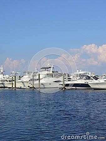 Free Marina Royalty Free Stock Photo - 18713355
