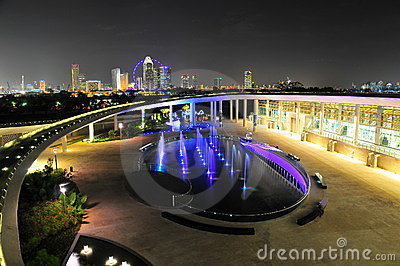 Marina Barrage and the Singapore skyline Editorial Image
