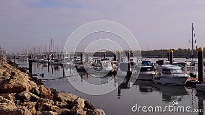 Marina - El Puerto de Santa María en Cádiz, España almacen de video