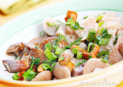 Marinated mushroom mix