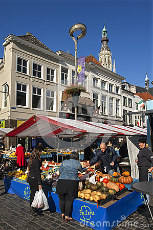Free Market In The Dutch City Breda With Fruit Stall Royalty Free Stock Photos - 35121168