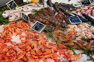 Market table with fish anf shrimps