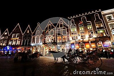 Χριστούγεννα Markt στο sqaure, Μπρυζ Εκδοτική Στοκ Εικόνα