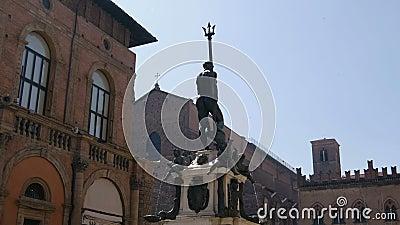 Marktplatz Nettuno im Bologna - Emilia Romagna - Italien stock footage