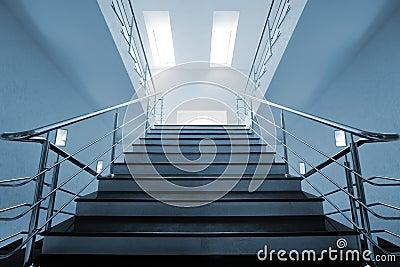 Moderne marmeren trap stock fotografie beeld 7401332 - Trap binnen villa ...