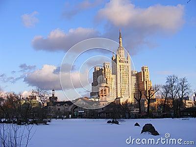 Março. Moscovo.