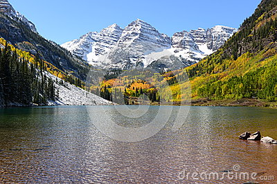 Maroon Bells And Lake In Fall Stock Images Image 35443594