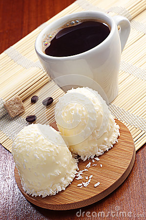 Marshmallows with coconuts