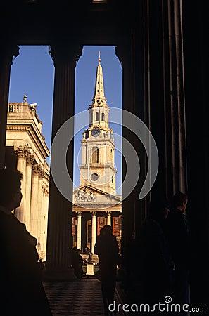 Martin-dans-le-Zones de rue et le National Gallery Photo stock éditorial