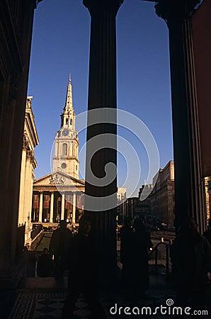 Martin-dans-le-Zones église, Londres de rue Photo stock éditorial