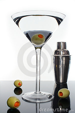 Free Martini Cocktail Drink And Olives Royalty Free Stock Images - 5829329