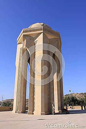 Martyrs el monumento en Baku Imagen editorial
