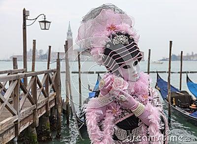 Maschera veneziana con Rosa Fotografia Editoriale