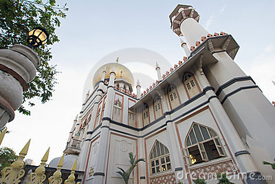 Masjid Sultan Mosque in Singapore Exterior