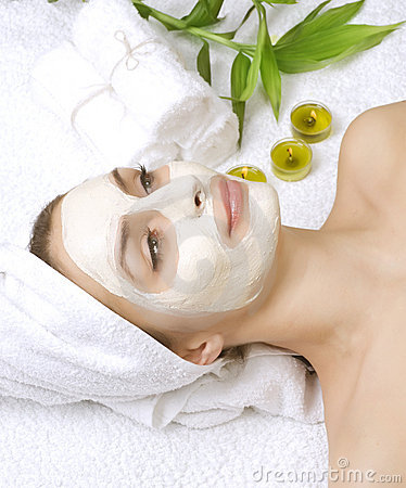 Masque de massage facial de station thermale