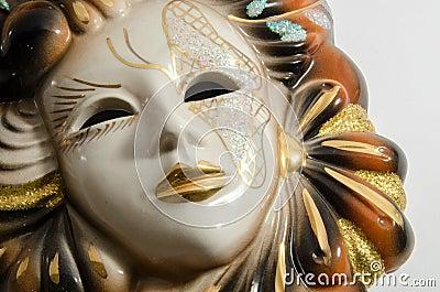masque v nitien de carnaval fait main fait en en c ramique de porcelaine d 39 isolement au dessus. Black Bedroom Furniture Sets. Home Design Ideas