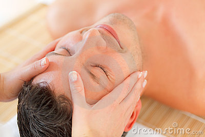 Massage face wellbeing treatment