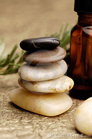Free Massage Oils Royalty Free Stock Photos - 1562698