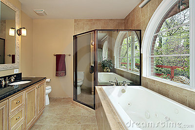 Royalty Free Stock Images: Master bath with arched window