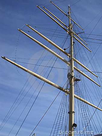 Mastro de um navio alto