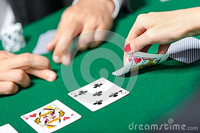 Match between poker players