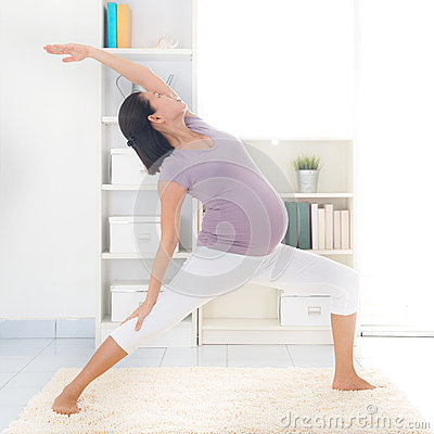 maternal yoga stock images  image 33834264