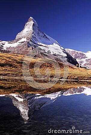 Matterhorn avec des randonneurs