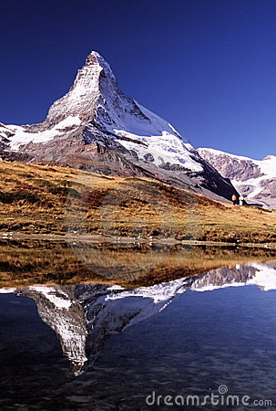 Matterhorn com caminhantes