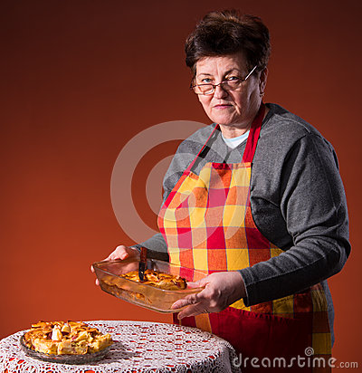Woman preparing apple pie