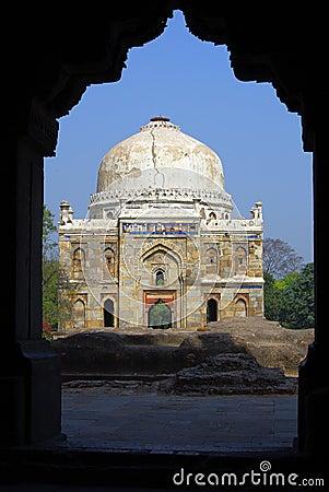 Mausoleum lodhi park delhi framed in doorway