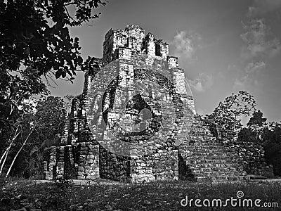 Mayan castillo