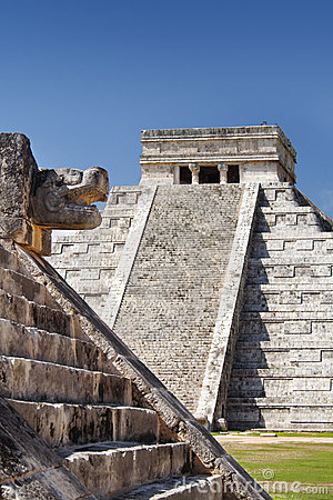 Free Mayan Pyramid At Chichen Itza, Mexico Royalty Free Stock Photo - 15558315