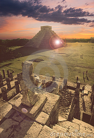 Mayan pyramid at Chichen-Itza, Mexico