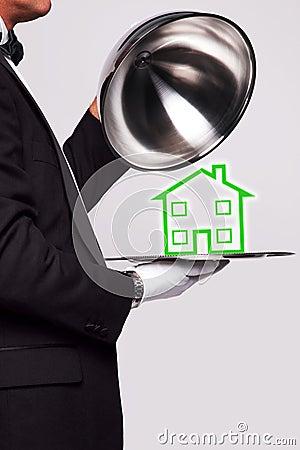 Mayordomo que sirve un nuevo hogar