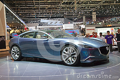 Mazda-Konzeptvorbetrachtung Redaktionelles Stockfoto