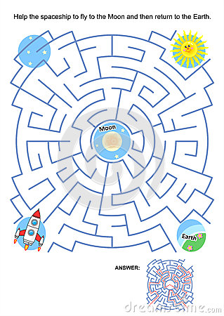 Free Maze Game For Kids - Spaceship Moon Flight Royalty Free Stock Photos - 33145188