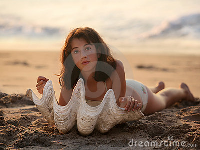 Mädchen mit Seashell