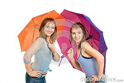 Mädchen zwei mit Regenschirm