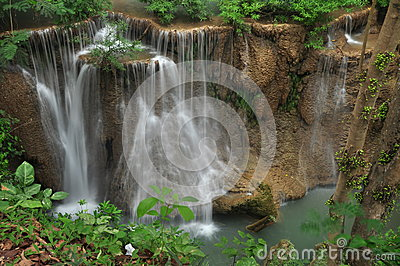 Mea-Kamin waterfall.